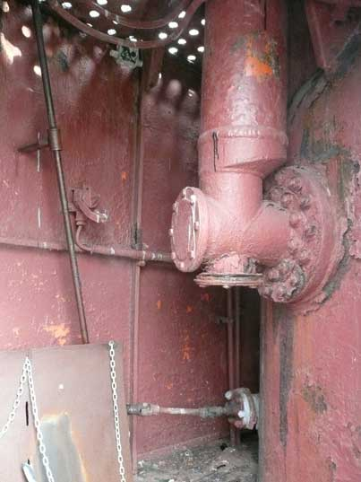 Area below the bridge between the outside and pressure hull
