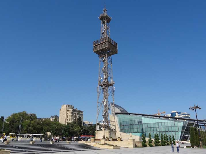 The Baku Parachute Tower was used from 1936 to the 1960s when a fatal accident with a parachute jump occurred