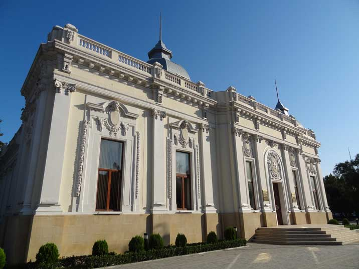 The Baku Puppet Theatre on Neftchiler Avenue was built in 1910 by Polish architect Jozef Ploszko