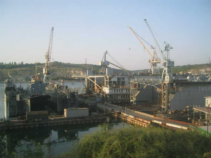 Russian navy dry-docks PD-30, PD-80 and PD-88 seen from the train