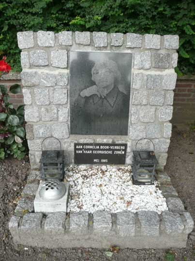 Russian style memorial dedicated to Cornelai Boon-Verburg