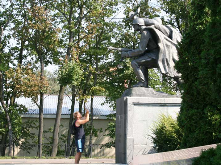 Comtourist editor photographing a monument in Kaliningrad
