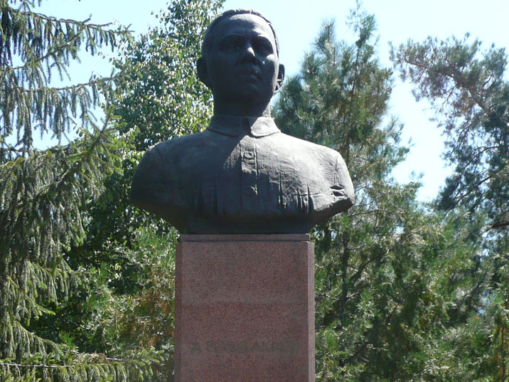 Bust of Abdullah Akhmetovich, an Uighur revolutionary and member of the Communist Party since 1918