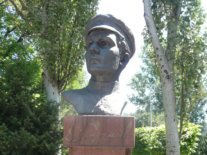 Bust of Dmitry Furmanov, a Russian writer best known for his novel Chapayev