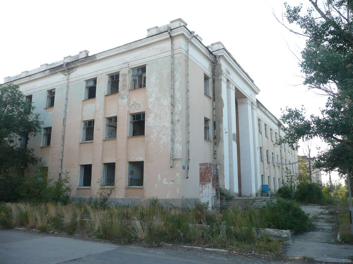 Nuclear testing in Kazakhstan was ceased when the USSR collapsed in 1991 leaving these buildings empty
