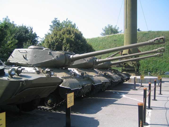 IS-2 heavy tank with A-19 gun at the Kiev World War II museum