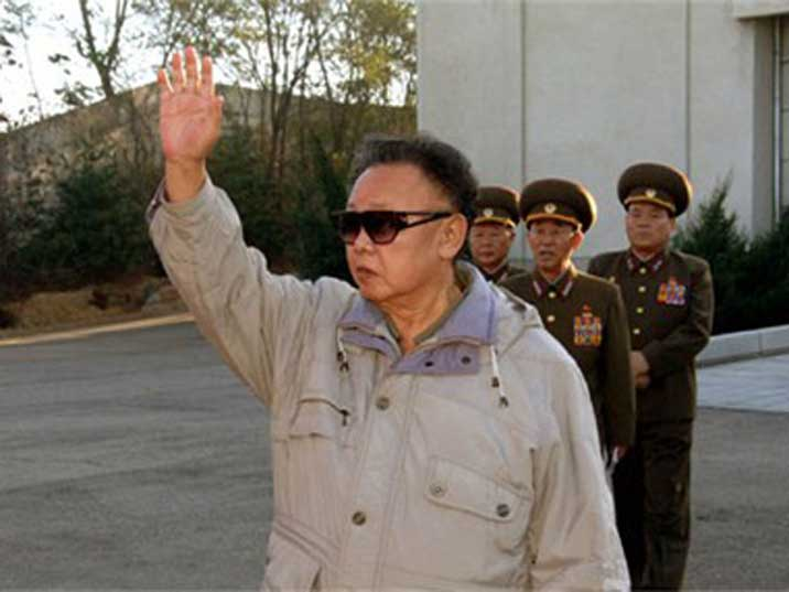 Kim Jong Il waving at soldiers on a Korean Peoples Army facilities