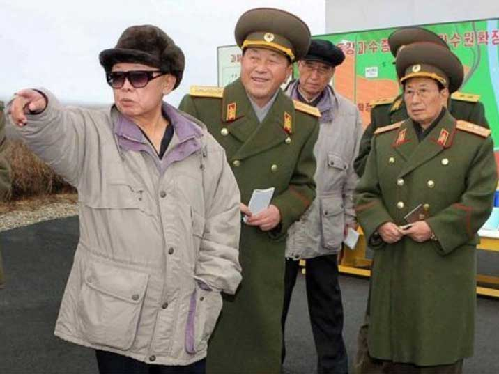 Kim Jong Il at a Korean Peoples Army facility with his generals