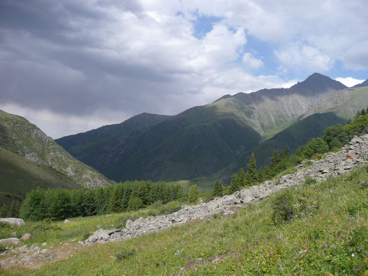 Hiking through the Tien Shan mountains in Ala Archa National park is a great experience with great views along the way