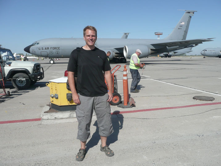 The war on terror very close in 2009 on the US Air force Base at Manas
