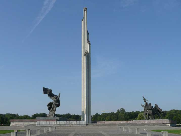 Riga victory memorial to Soviet army with obelisk and sculptures
