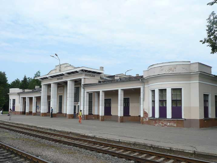 Main building and platform of the Sigulda Railway Station