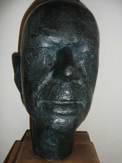 Sculpture of writer Tomas Mann by C. Zeitgas dating from 1954
