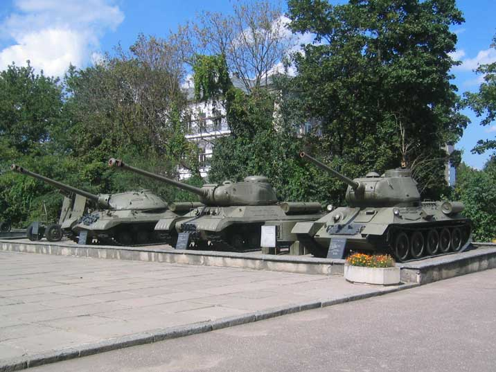 Three Soviet tanks from World War II , a IS-3, IS-2 and T-34
