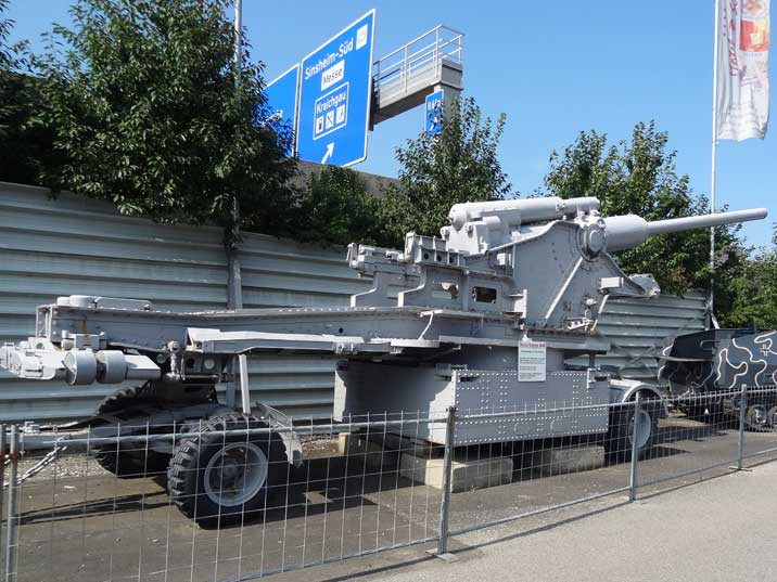 High quality 21 cm cannon build by Skoda for Turkey, the M40 could fire 25 round per hour and had a reach of 30km