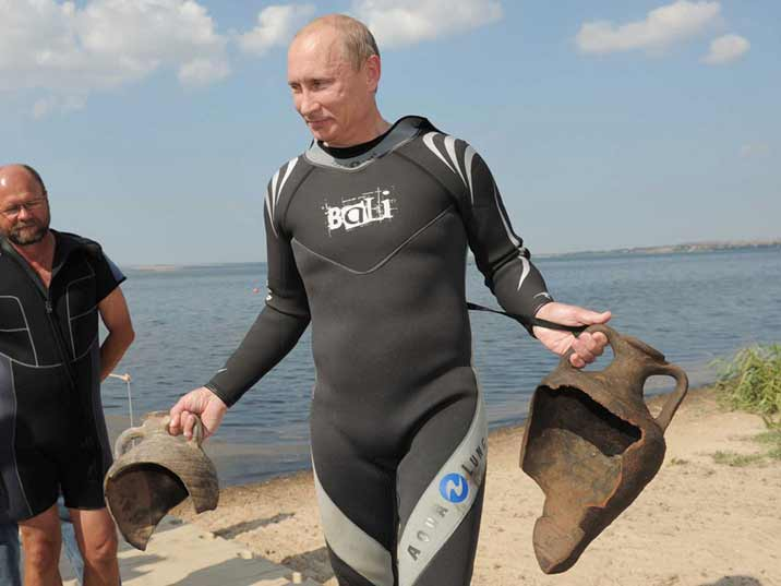 Putin found two 6th century amphorae while diving in Taman Bay near the lost Russian city of Phanagoria under the sea