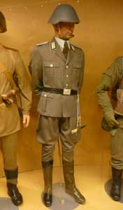 1985 uniform of an officer of the NVA, the East German Army