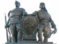 Bronze soldier and pilot on a military building in Minsk