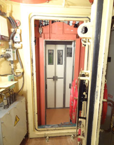 A small elevator connects the 12 compartments of the command center with each other and the entrance