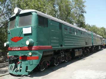 2TE10L locomotive built in 1967 by the Lugansk Voroshilovgradsky plant, 80% of its design is made up of two TE3 locomotives
